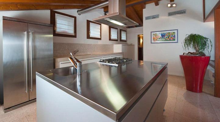 Progetto cucina arredo completo attico alessi mobili for Progetto arredo cucina