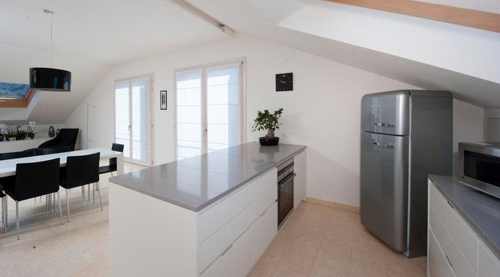 Progetto cucina arredo attico alessi mobili for Mobili bassano del grappa