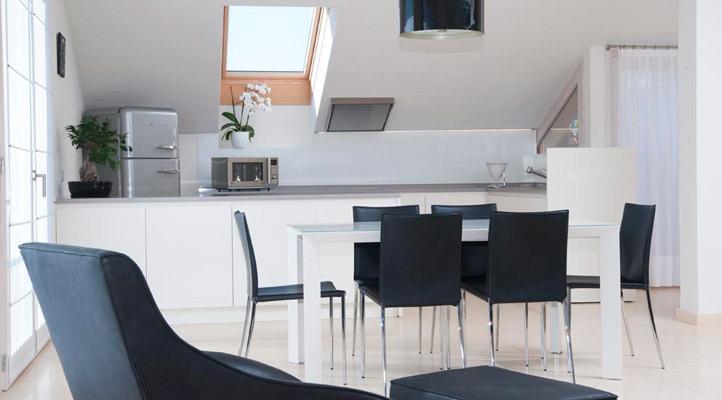 Progetto cucina arredo attico alessi mobili for Progetto arredo cucina